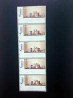 ESPAÑA.AÑO 2003./BODEGÓN DE FARMACIA./Tira De 5 Etiquetas Postales Nuevas Y Limpias. - Machine Stamps (ATM)