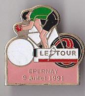 PIN'S THEME SPORTS / CYCLISME TOUR DE FRANCE 9 JUILLET 1991 EPERNAY DANS LE DEPT  MARNE - Ciclismo