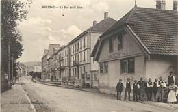 MORTEAU - La Rue De La Gare, Horlogerie. - Altri Comuni