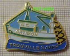 CHALUTIER ARTIMON  Port De  TROUVILLE SUR MER  BATEAU De PECHE Dpt 14 CALVADOS - Schiffahrt