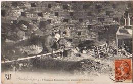 PLOUDALMEZEAU - L'Ermite De Kersaint Dans Son Pigeonnier De Trémazan - CPA TBon Etat (voir Scan) - Ploudalmézeau