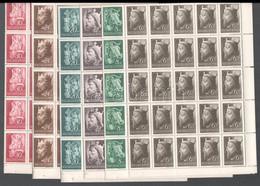 ** 1942 Királyok Sor 50 Darabos, Hajtott Félívekben (60.000) (12+12f 1 Bélyegen Betapadás / Gum Disturbance) - Unclassified