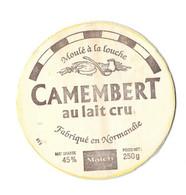 FROMAGE ETIQUETTE BOIS CAMEMBERT MATCH ( ANCIENNE ) SAINTE CECILE 50 MANCHE - VOIR LE SCANNER - Quesos