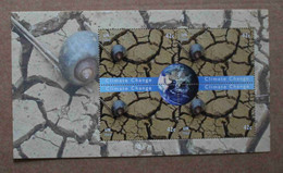 Y2 2008 : Nations Unies (N-Y) : Changement De Climat - Escargot Sur Une Terre Aride Craquelée Et Globe Terrestre - Ongebruikt