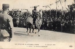 - Fêtes De La Victoires à PARIS - Le Général GOURAUD - - Personajes