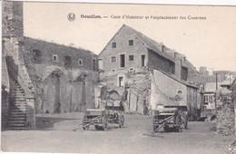 BELGIQUE BOUILLON Cour D'honneur Et Emplacement Des Casernes , Calèches Dans La Cour - Bouillon