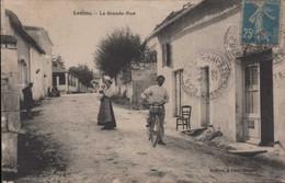 LONZAC La Place Du Champ De Foire - Other Municipalities