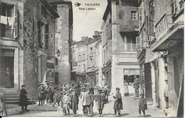 CARTE POSTALE THIVIERS - RUE LATOUR - Thiviers