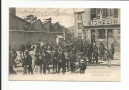 63  -  CLERMONT FERRAND - Usine Michelin - Sortie D' Ouvriers - Clermont Ferrand