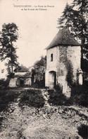 Vaucouleurs La Porte De France Et Les Ruines Du Chateau - Altri Comuni