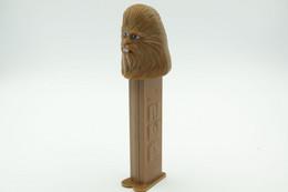 Vintage PEZ DISPENSER : Chewie Chewbacca - Lucasfilm Star Wars - 1997- Us Patent L=11cm - Non Classificati