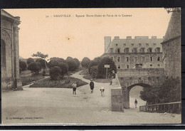 CPA 50 - GRANVILLE   ( Ref 50 - 742  ) Square Notre -Dame Et Porte De La Caserne - Granville