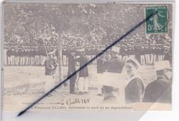 Toulon (83) L'Enseigne Ullmo , Subissant Le Sort De Sa Dégradation - Toulon