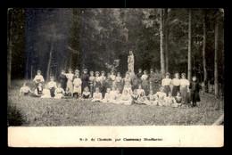 52 - CHANCENAY - NOTRE-DAME-DU-CHESNOIS - FEMMES ET ENFANTS DEVANT LA VIERGE - Autres Communes