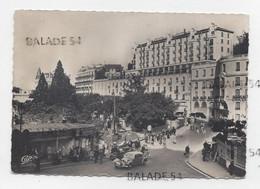 CPSM - ROYAT (63) Vue Sur Les Grands Hôtels (très Animée, Belle Voiture) - Royat