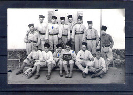Carte Photo. 8e Zouaves. 2e Compagnie. 1ere Section. - Regimientos