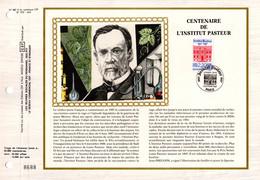 """"""" 100 ANS DE L'INSTITUT LOUIS PASTEUR """" Sur Feuillet CEF 1er Jour Sur Soie De 1987. N° YT 2496. FDC - Louis Pasteur"""