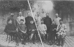 94 BOISSY SAINT LEGER / CARTE PHOTO / 1915 / MILITAIRES FRANCAIS / POILUS / SOLDATS / CHIEN - Boissy Saint Leger