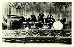 ► FRANCE - Groupe Musiciens  Jazz Swing   2/2 -  Accordeon Marqué MASSPACHER - Cp Années 30/40s - Musique Et Musiciens