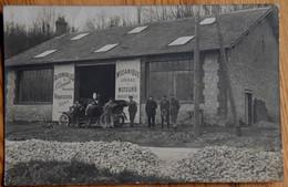 Carte Photo - Automobiles A. Thoniard Mécanicien - Mécanique - Groupe D'hommes Et Voiture - Lieu à Identifier -(n°19152) - Zonder Classificatie