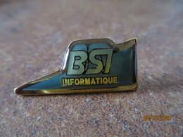 Pin's Neuf BS7 Informatique - Informatik