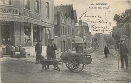 CPA Fourmies  Rue Des Deux Ponts Attelage De  Chien (TBE) - Fourmies