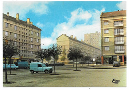 76 - CANTELEU - La Place Du Marché - Ed. Le Goubey N° 3 - Voitures, Citroên Ds, Renault R4 4L Fourgonnette - Canteleu