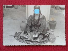 FOTO PHOTO MUJER GITANA ? GIPSY ? WOMAN HECHANDO LAS CARTAS VIDENTE ADIVINA SEER MEDIUM FEMME VOYANT FRAU ZIGEUNER GITAN - Anonymous Persons