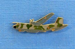 1 PIN'S //  ** AVION MILITAIRE C-160 TRANSALL ** . (J.Y. Ségalen©) - Airplanes