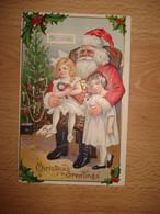 CPA EMBOSSEE PERE NOEL POUPEE ET SAPIN, FILLETTE SUR LES GENOUX - Santa Claus