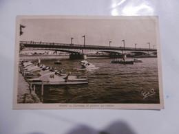 D 03 - Vichy - Canotage Et Pédalos Sur L'allier - Vichy