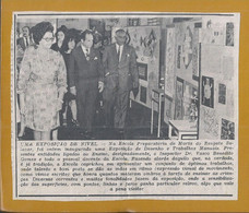 Foto Da Inauguração De Exposição Na Escola Preparatória Marta Do Resgate Oliveira Salazar, Luanda 1970. - F