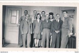 Photo (7 X 11 Cm) - Seconde Guerre Mondiale - Paris : Contrôle Militaire Des Informations - Tous Nommés (07/1945) (BP) - 1939-45