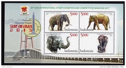 Indonesia 2015 MiNr. Bl. 320 Indonesien Mammals Sumatran Elephants S\sh MNH** 5.20€ - Indonesië