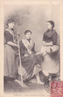 64 -- Pays Basque -- Biarritz -- Types De Femmes Basques -- 3 Jeunes Filles -pégarra - Quenouille - Râteau --- 547 - Biarritz
