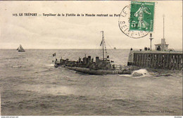 D76  LE TRÉPORT  Torpilleur De La Flottille De La Manche Rentrant Au Port - Le Treport