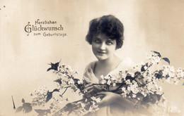 DC4912 - Ak Schöne Motivkarte Junge Dame Frau Mädchen Geburtstag Gruss - Mujeres