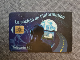 F658 - Pleumeur Bodou IX La Société De L'information - 1996