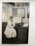 Foto Ak Femme Administration Machine à écrire - Autres