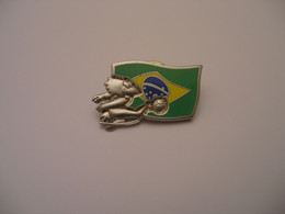 Coupe Du Monde De Football 1998 France 98 Footix Drapeau Brésil - Fútbol