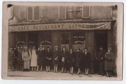 """CARTE PHOTO : CAFE - RESTAURANT - LIQUEURS - MAISON """" G...A.? """" - HOTEL MEUBLE - LES PATRONS ET JEUNES FEMMES -z R/V Z - Te Identificeren"""
