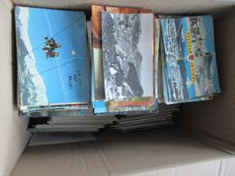 LOT DE 10 KG DE CARTES POSTALES MODERNES ET SEMI MODERNES - 500 Postcards Min.