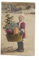 CP Joyeux Noël Petite Fille Noël Portant Un Panier Garni De Cadeaux Et Sapin SM A Henri Petit Camp De Verdun Armée Belge - Sonstige