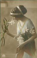 Portrait Femme - Fleurs Lys   T 802 - Vrouwen