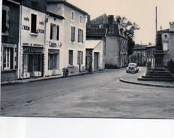 87 - Maisonnais  Sur Tardoire -  épicerie - Café - Ed Bellaflor  - Voiture 4CV - Otros Municipios