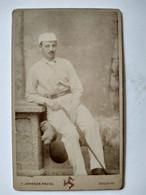 Photographie Ancienne CDV - Joueur De Golf Anglais - Photo Fred Johnson à Douglas, Isle Of Man - BE - Alte (vor 1900)