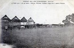 AVIATION  CIRCUIT DE L'EST 1910   AUBRUN   MOISSAN  ET LEBLANC  AU DEPART DE L'AEROPORT D'AMIENS - Aviadores