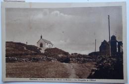 Carnac - Le Tumulus Du Mont St-Michel - La Chapelle Et L'Hôtel - CPA Sépia 1933 Peu Courante - Carnac