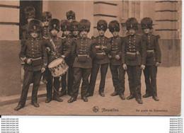 Bruxelles - Un Poste De Grenadiers (1912 En L'état) - Otros
