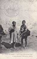 Cpa Judaica - Types Du Maroc - Enfant Juif Et Jeune Porteur D'eau (tampon Militaire Circulé  - Voir Scan Recto-verso) - Other